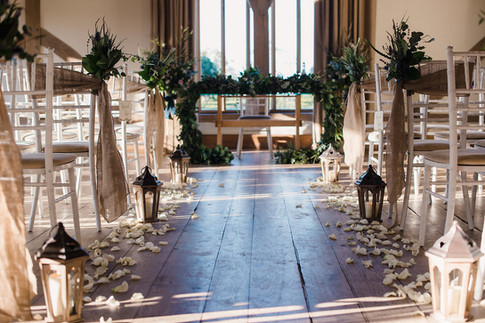 HESSIAN SASHES & RUSTIC LANTERNS