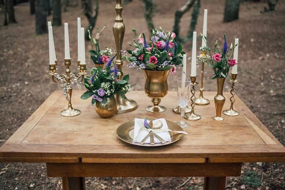 Gold collection wedding props