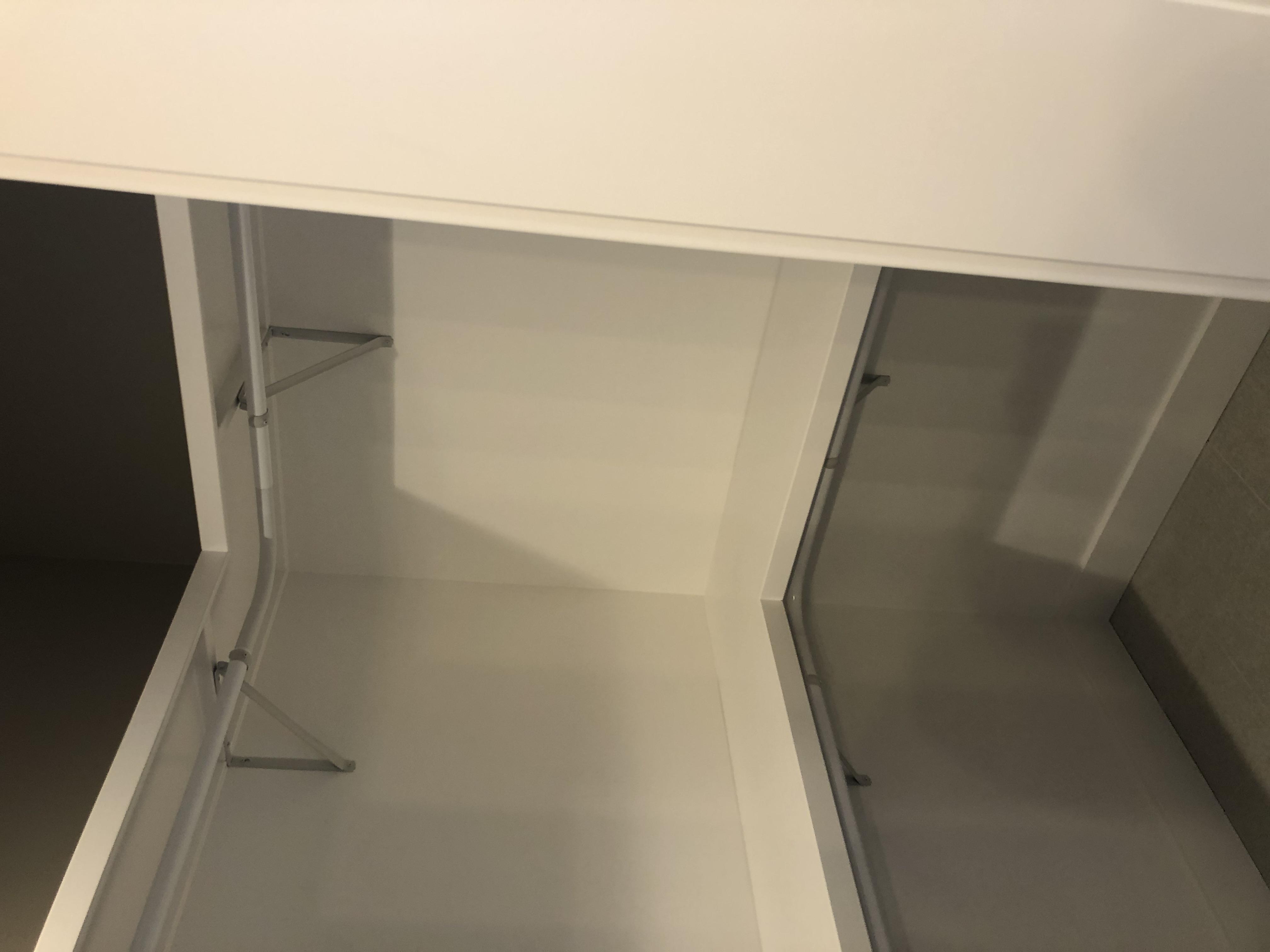 Huellmantel Master bath closet 3