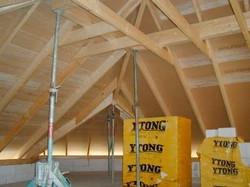 Dachstuhl in Konstruktionsvollholz