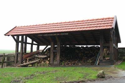 Brennholzlager Eichen-Fachwerk