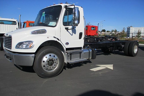 2020 Freightliner® BUSINESS CLASS M2 106