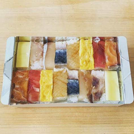 旬の箱寿司