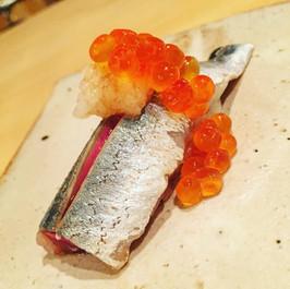 秋刀魚炙りいくらおろし添え