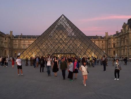 不思議のパリ建築