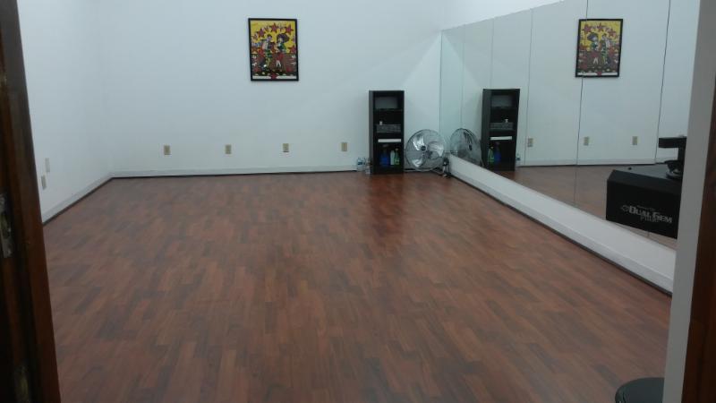 Salsa & Bachata Dance Lessons - 1 person
