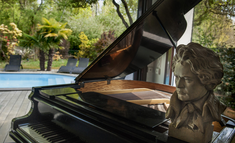 PIANO A QUEUE (quart de queue )