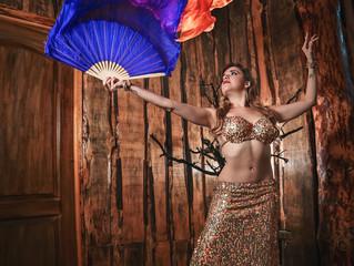 Mujer y la Danza del Vientre