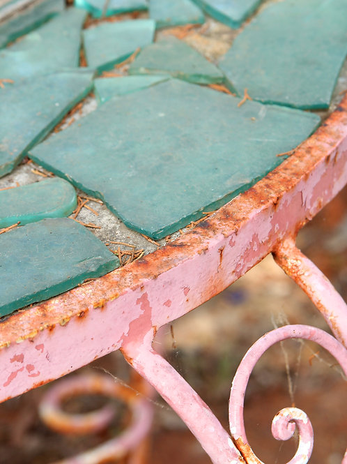 CRACKLED TABLE