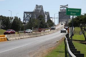 Legislature sends infrastructure and lottery bills to Gov. Phil Bryant's desk for last step