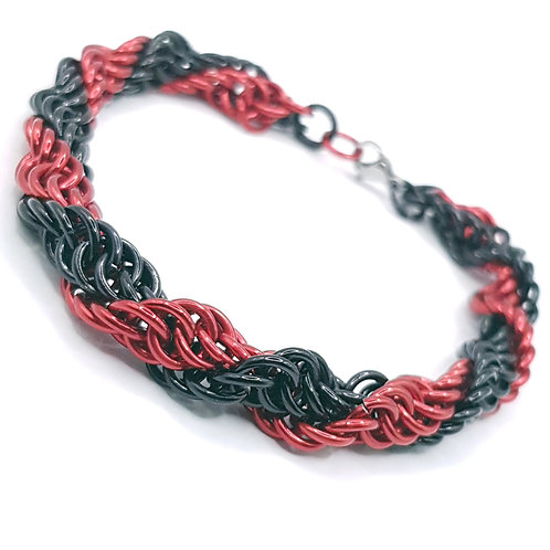 Spiral 4:1 Gothic dreams Chainmaille Bracelet