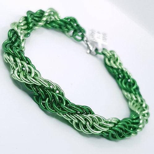 Spiral 4:1 Eire gu bràth Chainmaille Bracelet