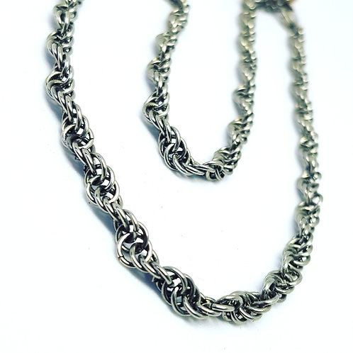 Spiral rope chainmaille necklace