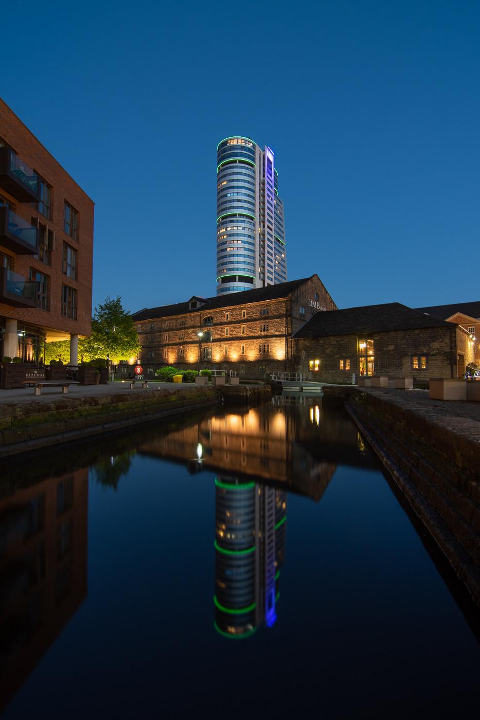 cityscape, bridgewater place, granary wharf, urban nightscape