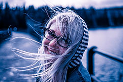 girl-872149_1920-copie_NB_retLR.jpg