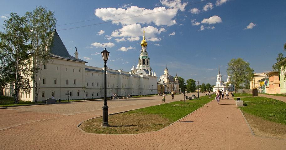 Кремлевская_площадь_в_Вологде.jpeg