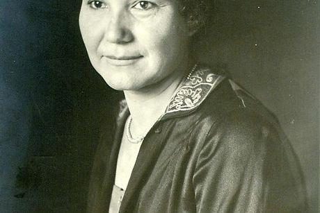 Lucy Tayiah Eads