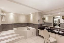 Bathroom - Premier Suite