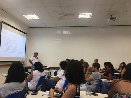 Professor Dennis de Oliveira visita a UFU e fala sobre jornalismo emancipador