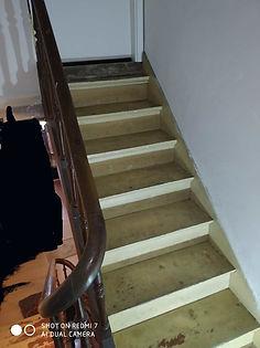 escalier_avant_grenier.jpg