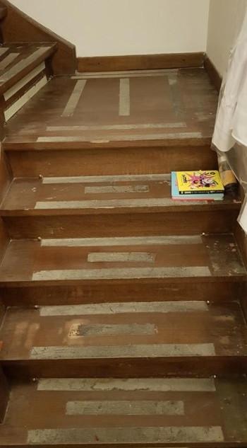 renovation_escalier_bois_avant1.jpg