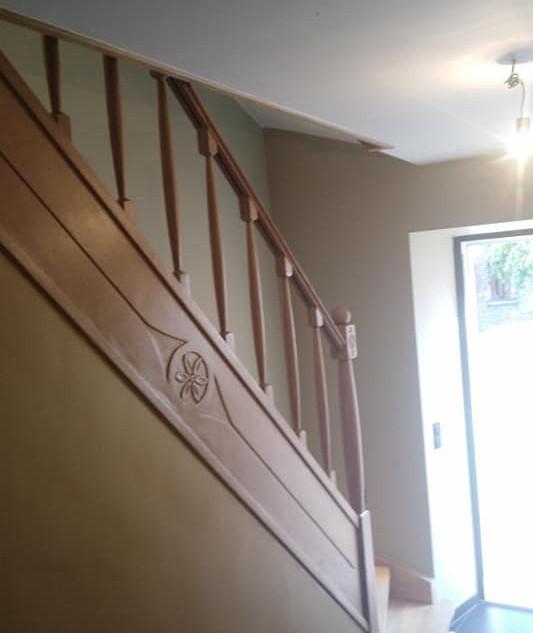Escalier_bois_vu_coté_fini.jpg
