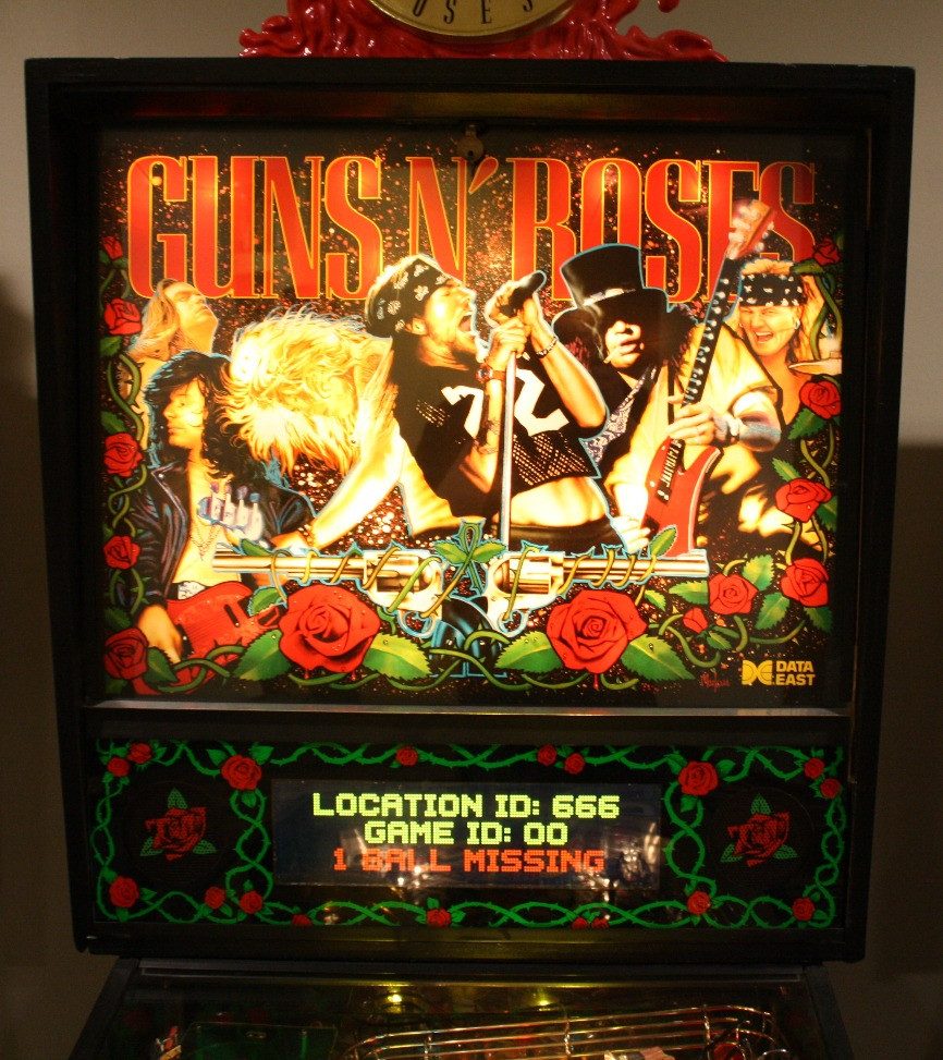 Guns N' Roses pinball with LCD color DMD display