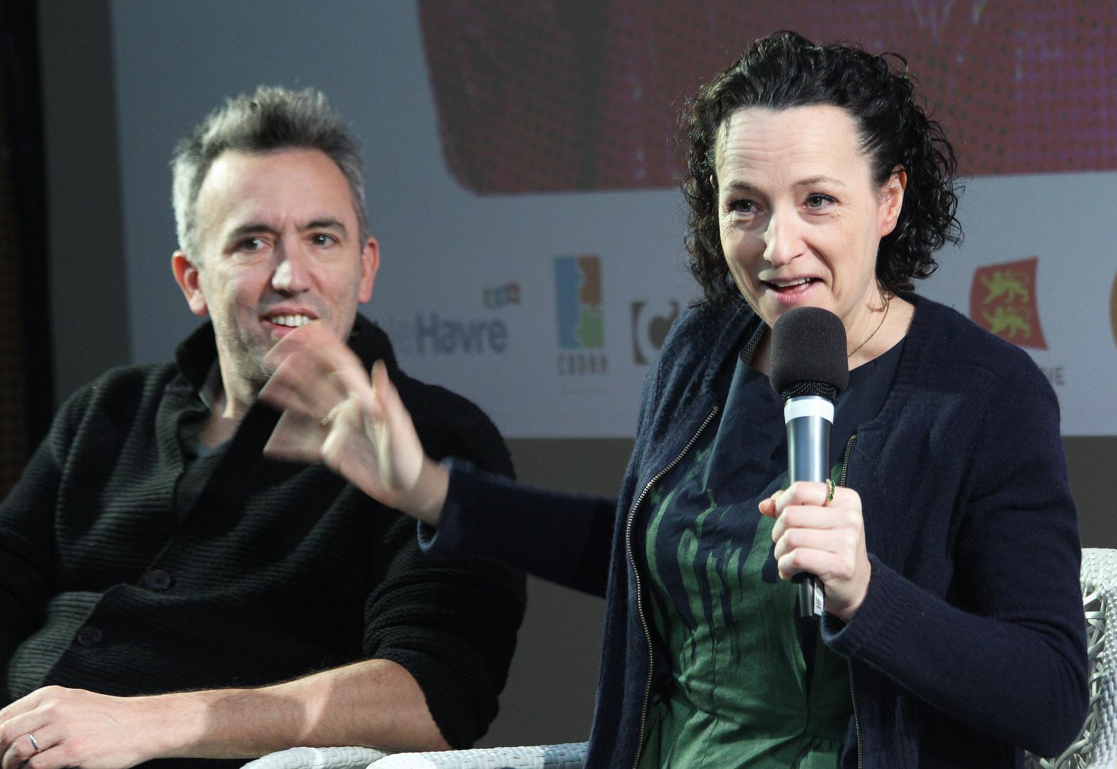 Chris Carey et Manda Levin
