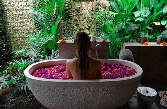 karsa-spa-ubud-flower-bath.jpg