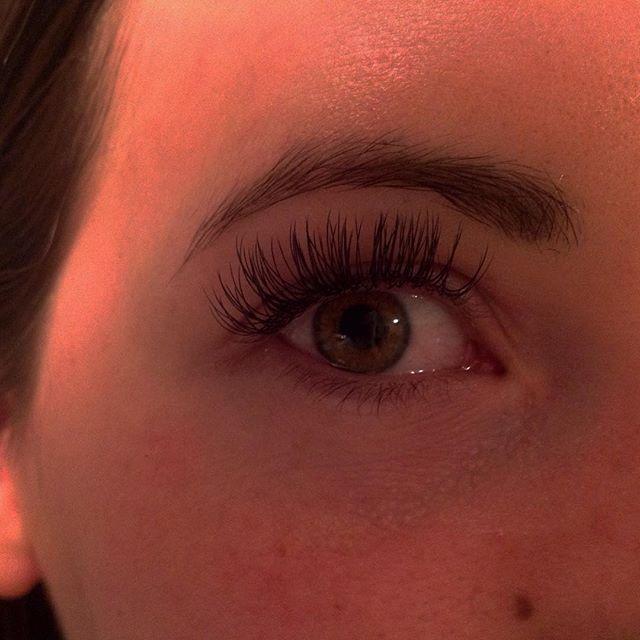 10mm and 12mm Flashlash #misencil #bestlashes #longlashes #eyelashextensions #eyelashes #eyeenvyilas