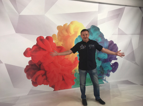 Roman Rossi ve studiu TV RMB