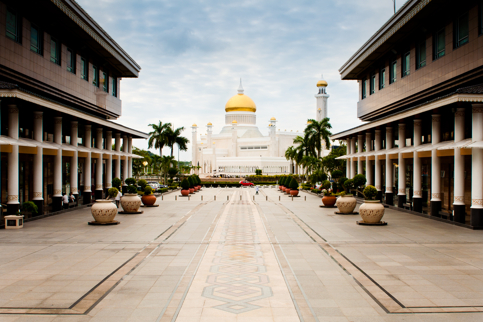 sultan omar's mosque, brunei