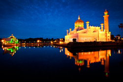 sultan omar's mosque, brunei