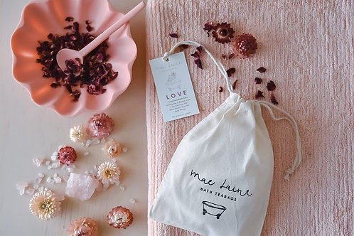 Love Bath Teabag with Rose Quartz Crystals