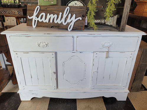 Shabby Cabinet / Sideboard