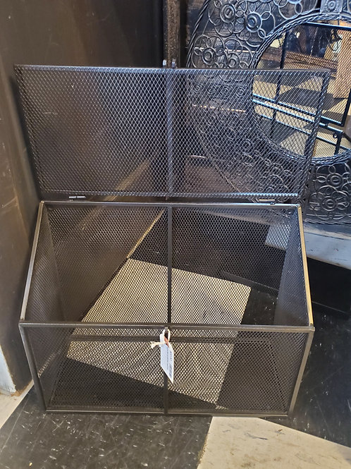 "Wire Wall Bin w/Lid - Great for mail! 15 1/2"" wide x 12"" tall"
