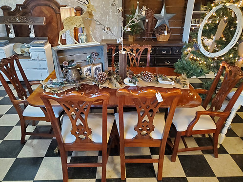 """Thomasville Dining Table & 6 Chairs - 64"""""""