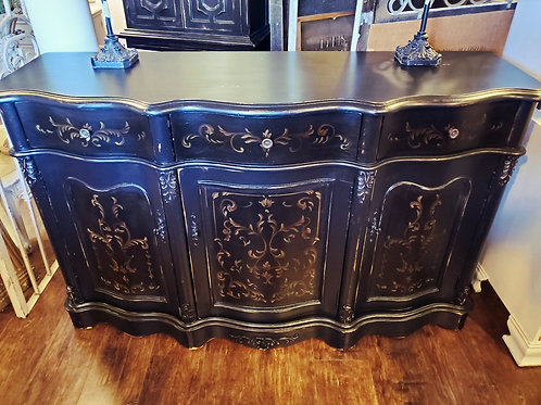 Lovely Sideboard / Buffet