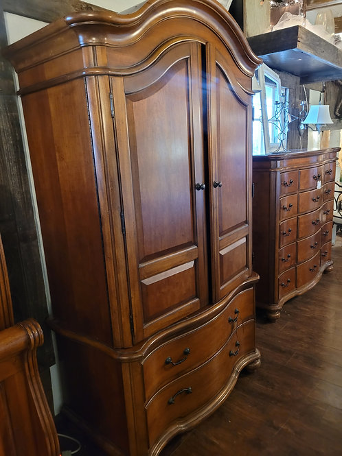 Large Armoire w/ shelving