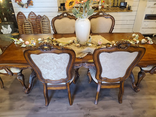 8' Dining Table w/ 6 Chairs & 2 Leaves