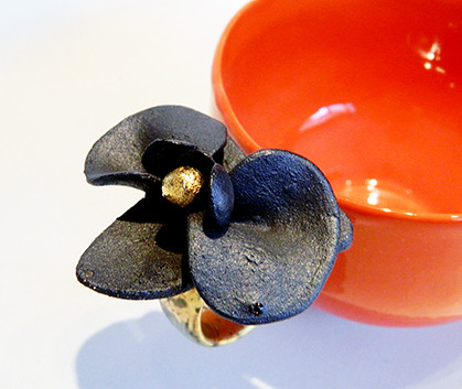 Ceasca Black Orchid