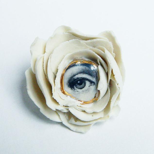 Brosa LVE White Flower I