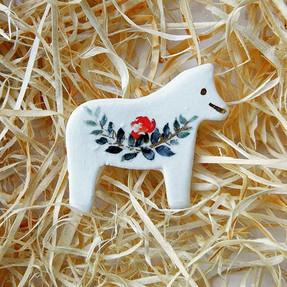 Brosa Martisor White Horse
