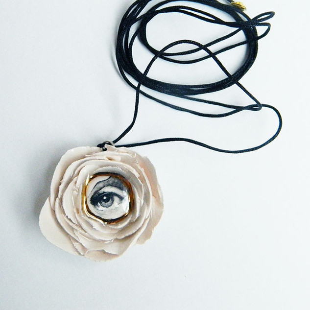 Medalion LVE White Flower I