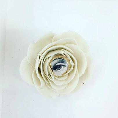 Brosa LVE White Flower V
