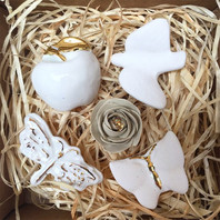 Brosa Martisor Stories Of An Invisible World