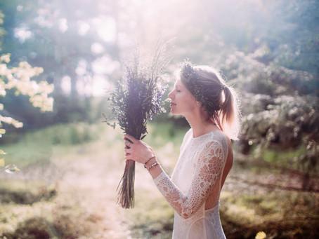 magisches Brautshooting im Wald