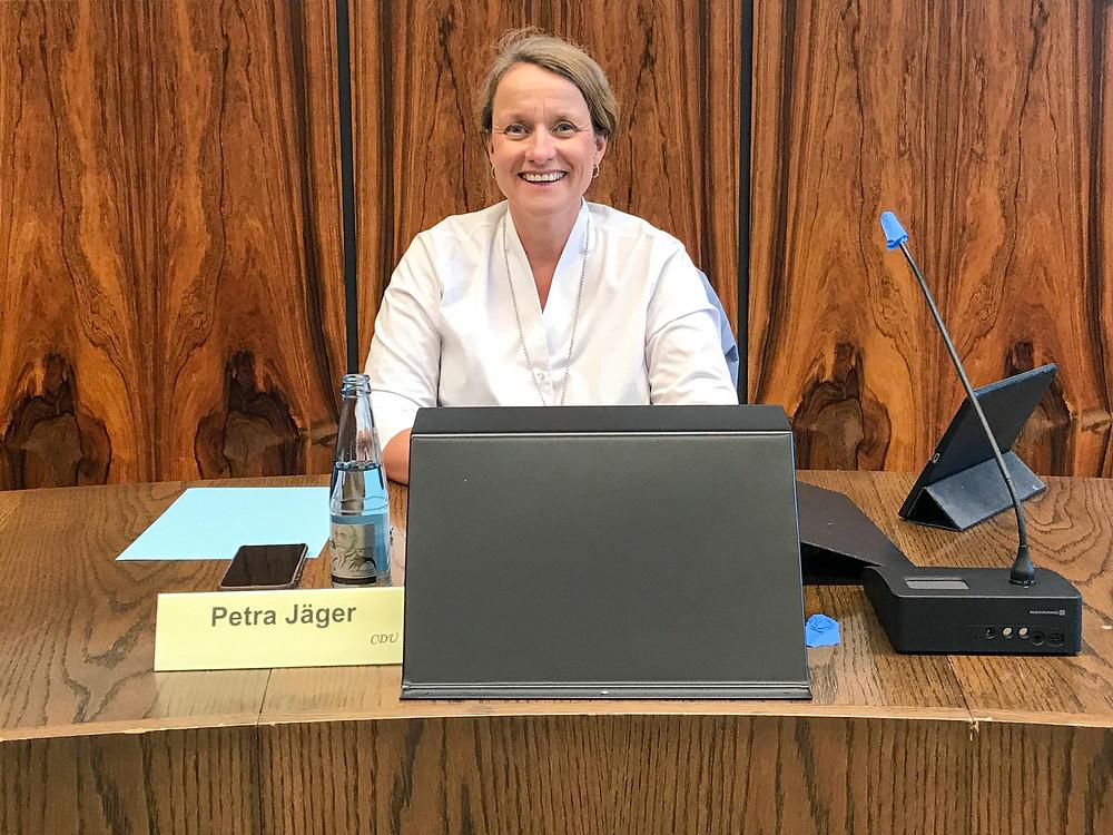 Erste Stadträtin Petra Jäger beim Bildungsausschuss Uetersen