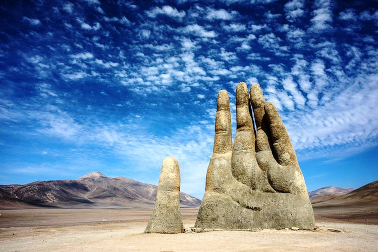 Hand_of_the_Desert_edited.jpg