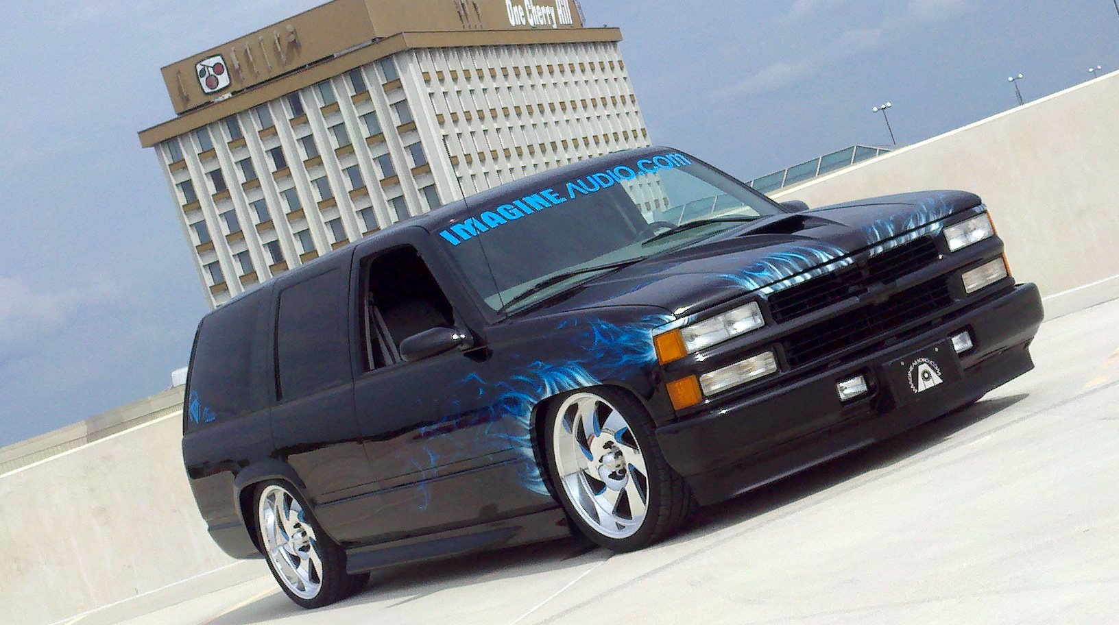 Bagged_Chevy_Tahoe